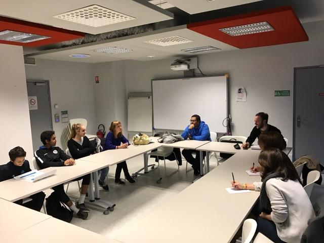 3 porte-paroles du collectif jeune Bourbaki, sont venus présenter leur point de vue sur des sujets éducatifs au bureau de ComédiePlus